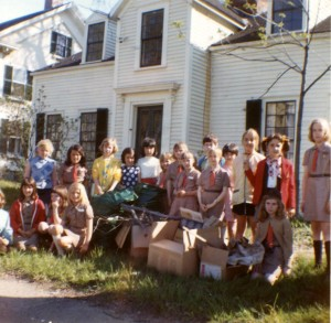 1970 cleanup Scouts at Holmes Cottage