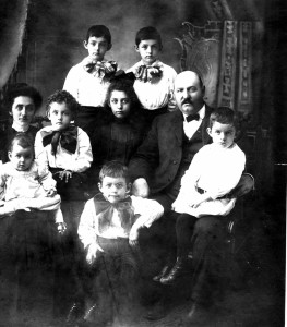 The Beckett family in 1877