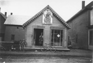 Phinney bike shop Main Street about 1900