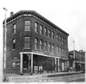Horton Block, Bailey Jewelers, Neill Store. Entrance to Sawyer Avenue