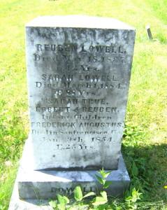 Rueben Lowell gravestone